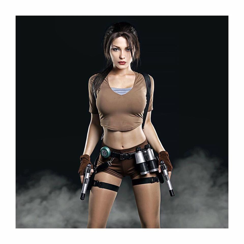 Themes & Characters: Gamer Girls Cosplay