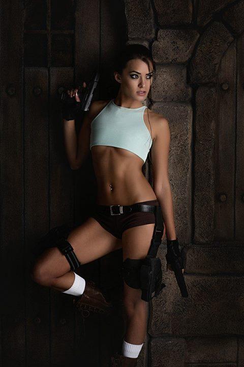 Joanie Brosas Cosplay Girl 004 Tomb Raider